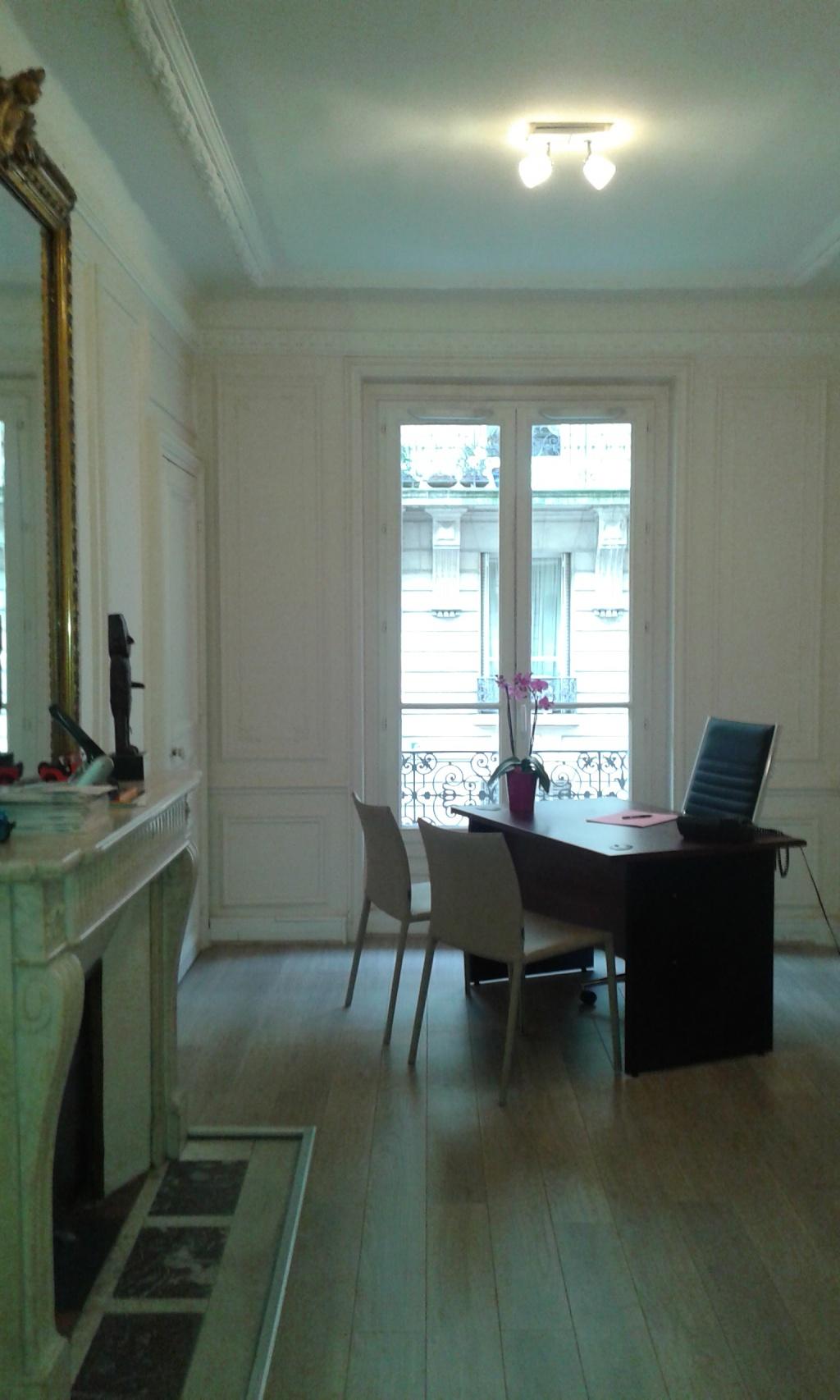 paris 8 me mise disposition de bureaux petites annonces fnuja f d ration nationale des. Black Bedroom Furniture Sets. Home Design Ideas