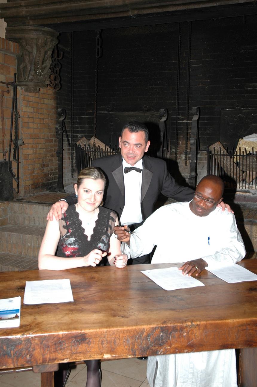La convention AJAS-UJA de LYON signée par Hélène RENAUDIN et Moussa SARR avec la bénédiction d'Olivier Bureth !